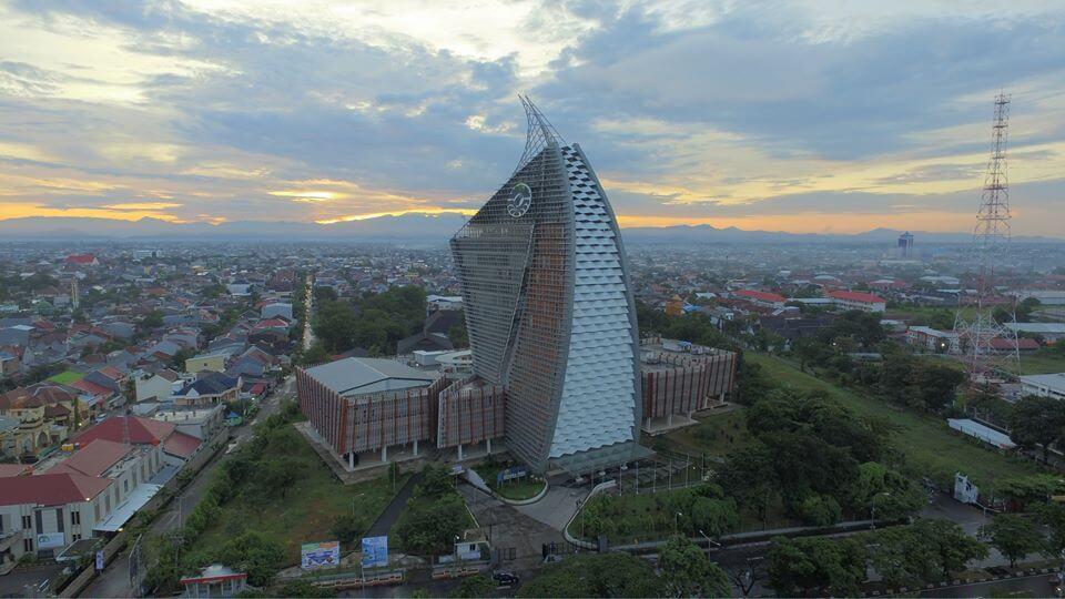 Jurusan di UNM - Akreditasi Biaya Kuliah Daya Tampung - Menara Pinisi Universitas Negeri Makassar